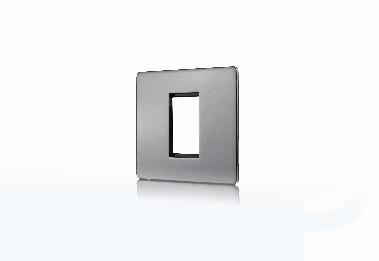 Premspec 1 Module Plate + Earth Screwless In Black Nickel